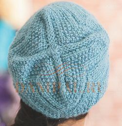 осенняя вязаная шапка