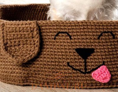 вязаная лежанка для собаки